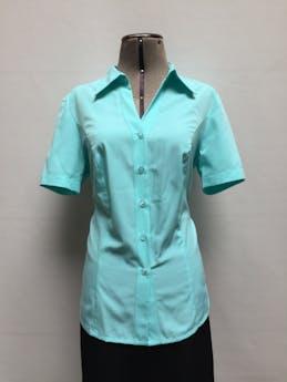 Blusa Carolina verde agua, cuello camisero, botones en el centro y manga corta. Nueva con etiqueta Talla M foto 1